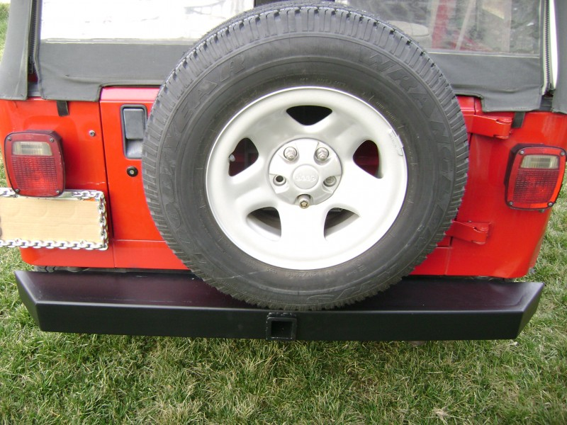 Jeep bumper with tow Hitch receiver