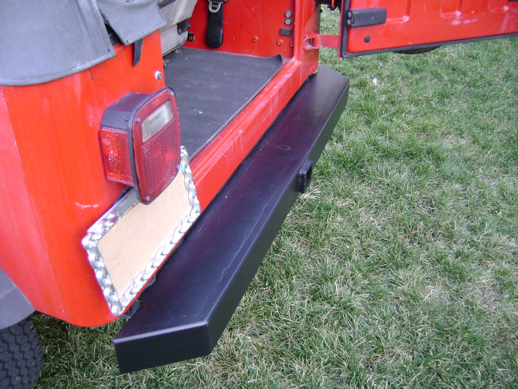 JEEP BUMPER WITH HITCH