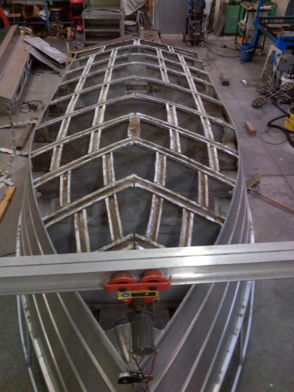 Valco 21 hull plates removed